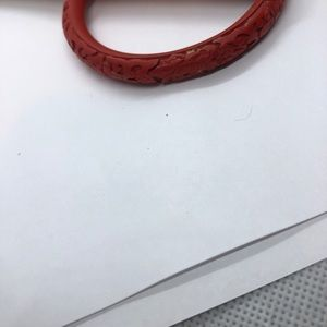 Vintage Jewelry - Carved bracelet very pretty in red